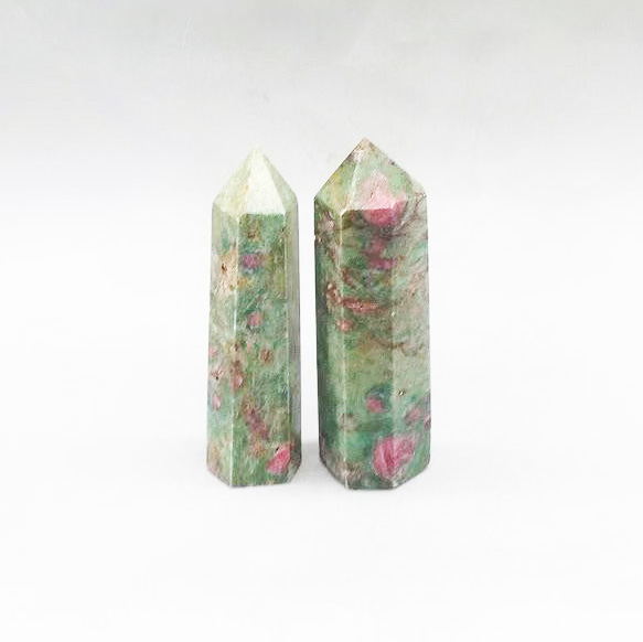 red and green crystal point 1