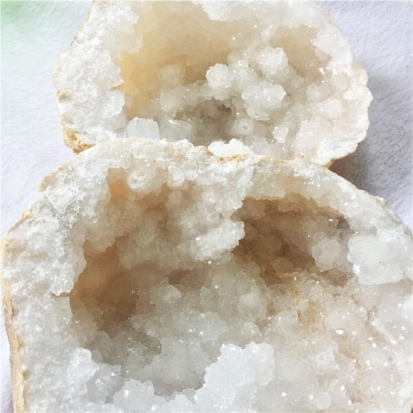 raw crystal white agate geode6